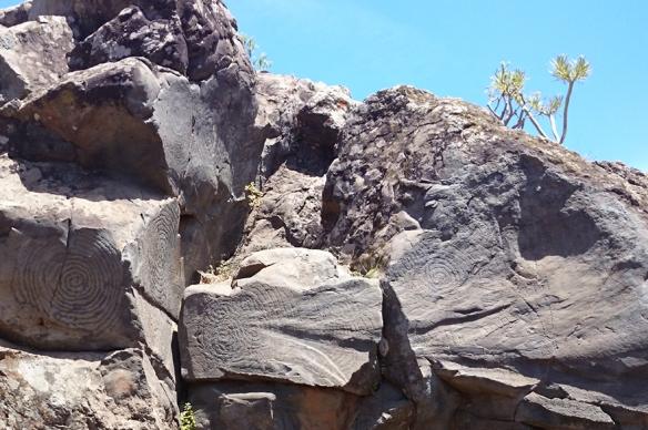 Fajana_Friedhof_Petroglyphen