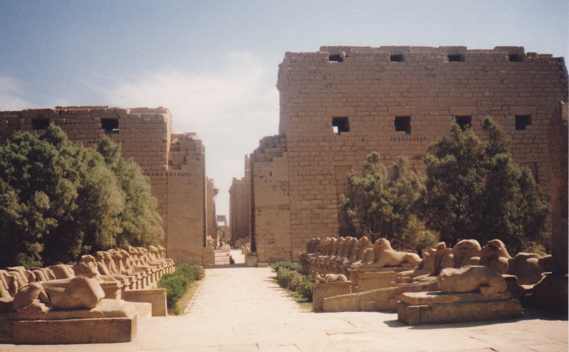 IMMEMORIAL CENTRES AT THE NILE – LUXOR AND ASWAN